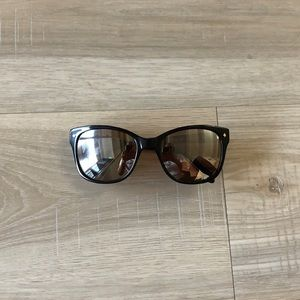 Black and gold fossil sunglasses